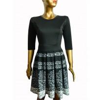 Rochie casual cu imprimeu abstract in nuante de negru/alb cambrata pe talie